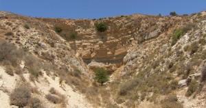 Le labyrinthe de Crète en Messara a_eingangstal_2006-127_30-300x158